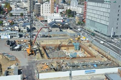 中心市街地拠点施設建設進む(11月4日)