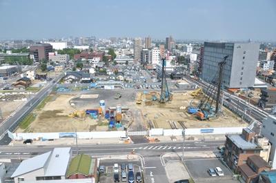 中心市街地拠点施設建設工事進む(8月3日)